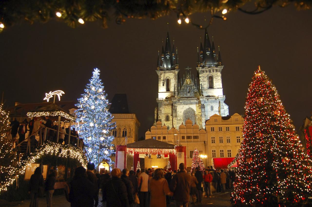 Mercatini di Natale di Praga- addobbi natalizi