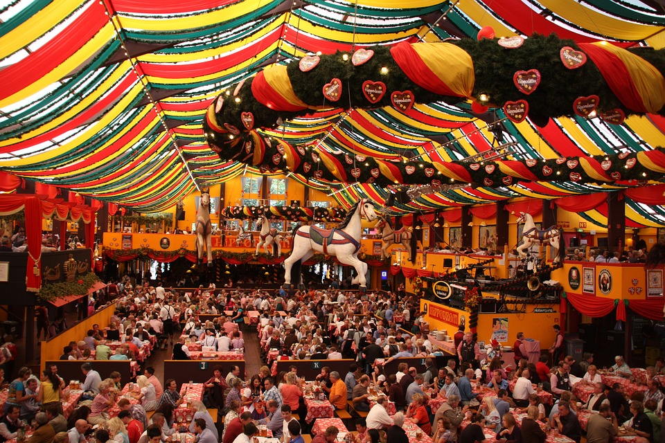Oktoberfest, Prosit a suon di birra